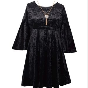 Bonnie Jean Girls Crushed Velvet Bell Sleeve Dress